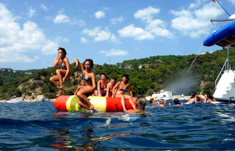 Catamaran Party Lloret de Mar - Girona - activitats_catamaran/catamaran-tossa-4.jpg