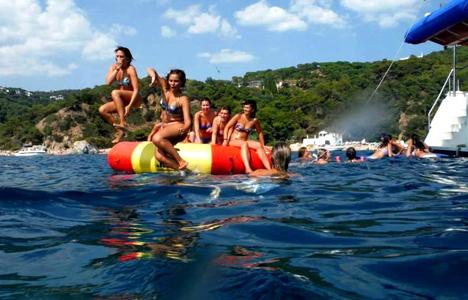 Pack fiesta en Catamarán + DJ  en Tossa de Mar - Girona - activitats_imatgestallades/catamaran-tossa--3.jpg