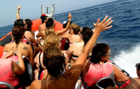 Stripboat sur la Costa Brava - activitats_imatgestallades/speedboat-tossa.jpg