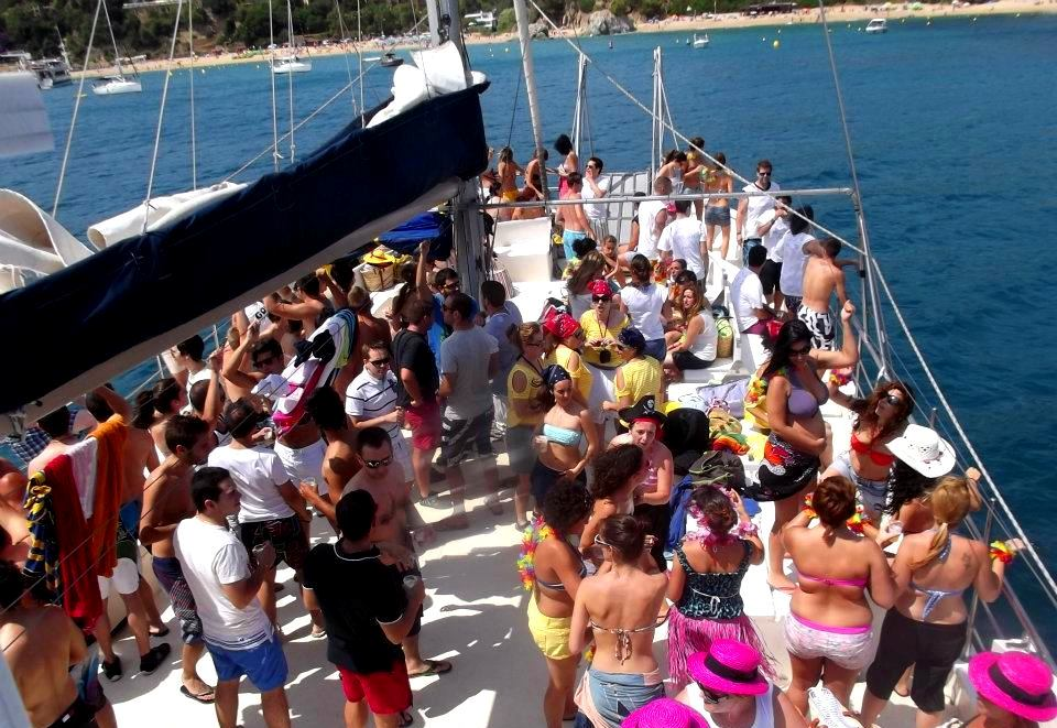 Party boat and evening fiesta in Platja d'Aro