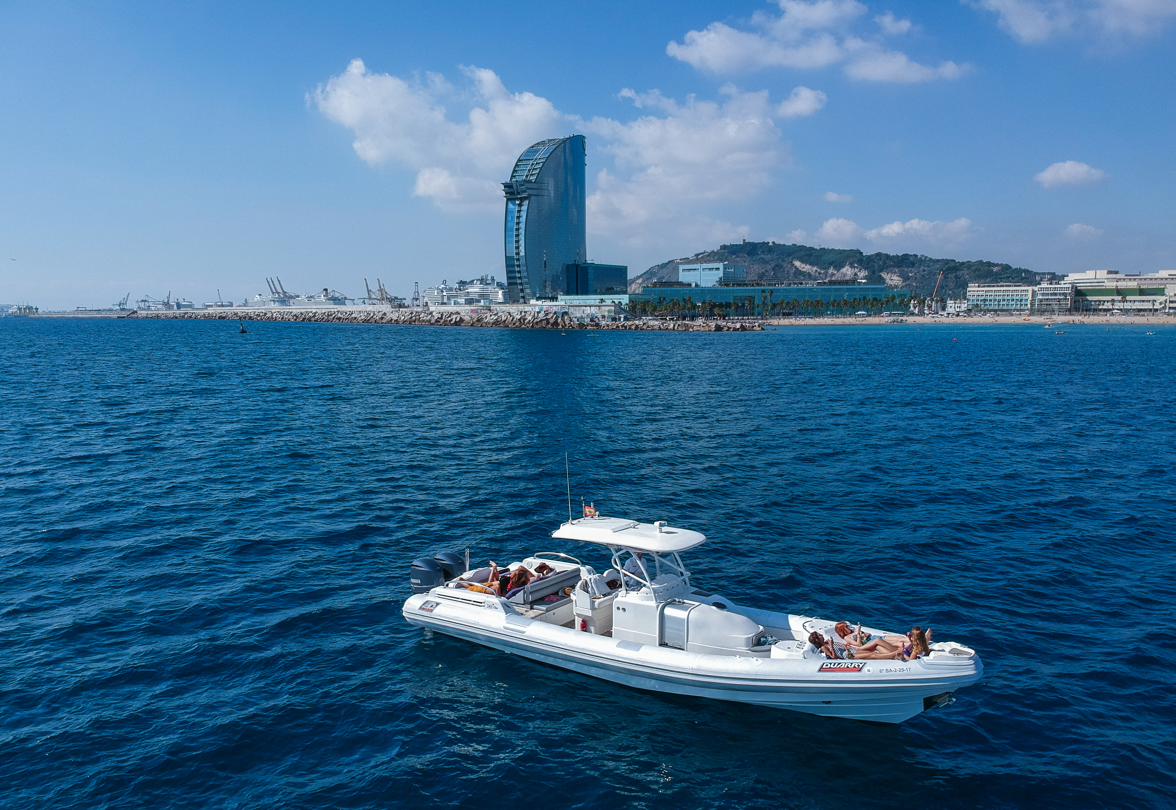 Chill Out Boat - Barcelona - med-one-w.jpg