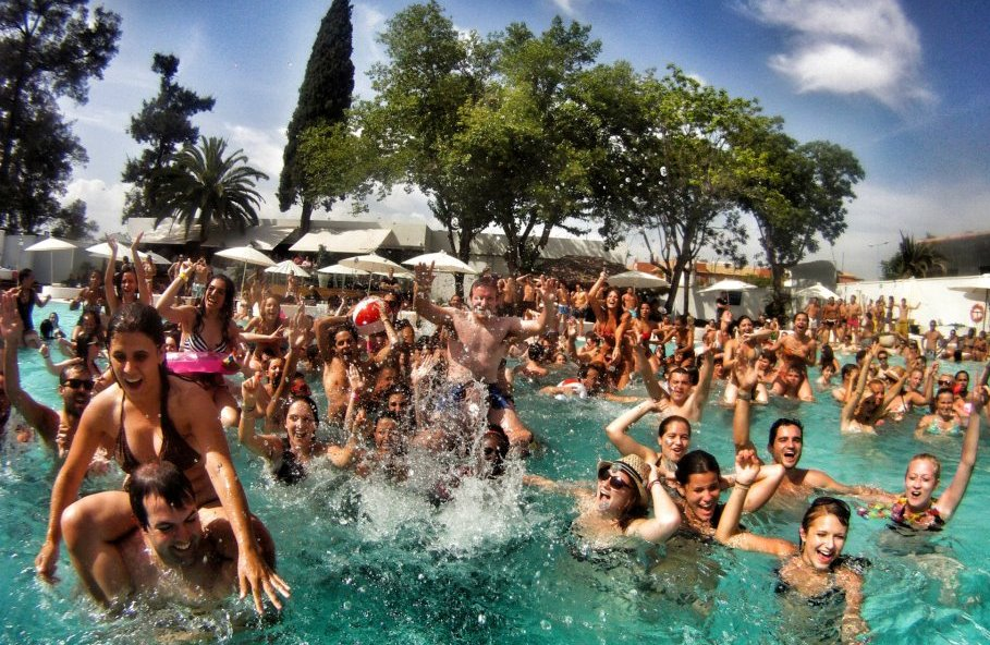 Hotel all inclusive, pool party + water park in Mallorca - pool-party-2.jpg
