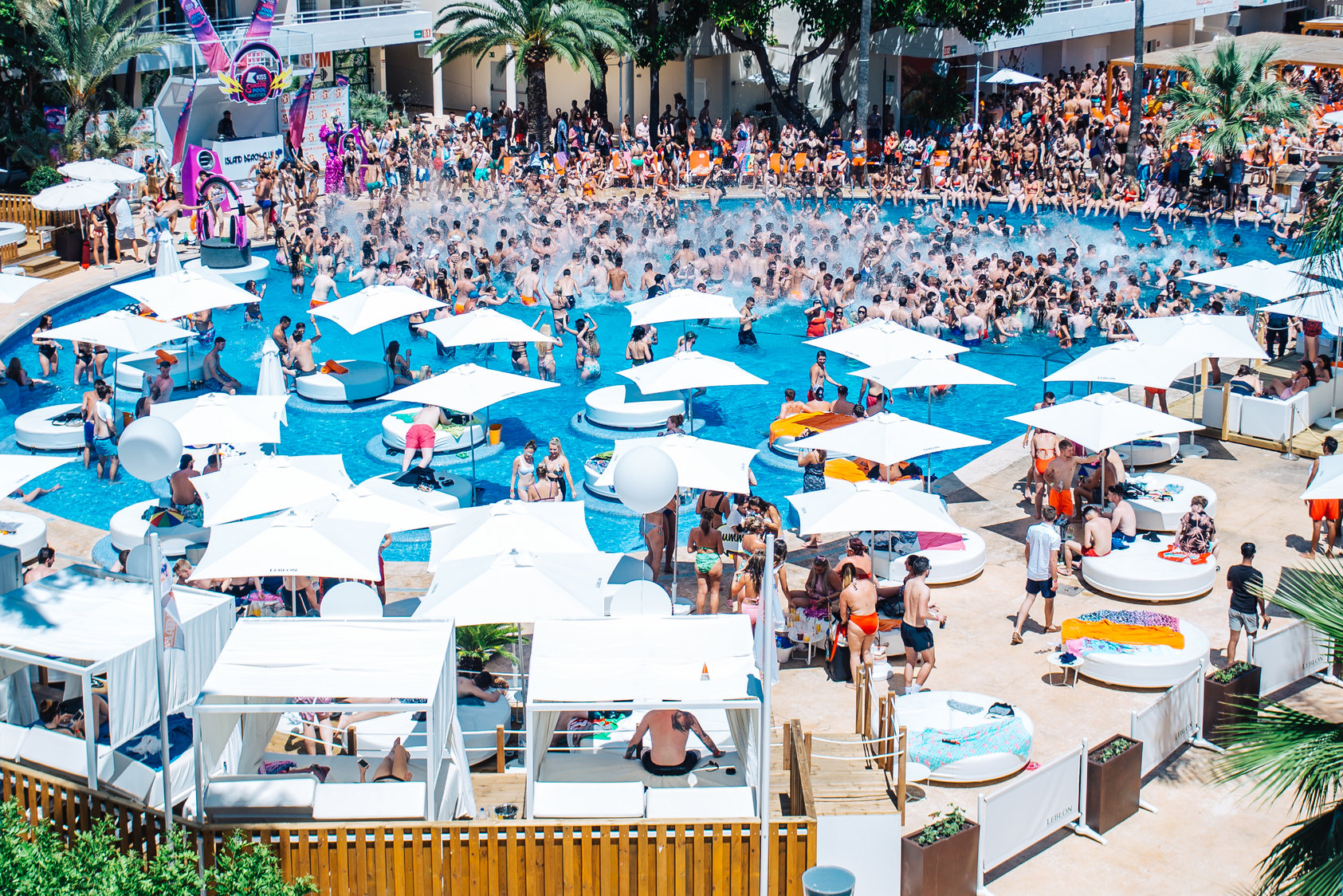 Pack Water Park + Pool Party + Hotel a Mallorca