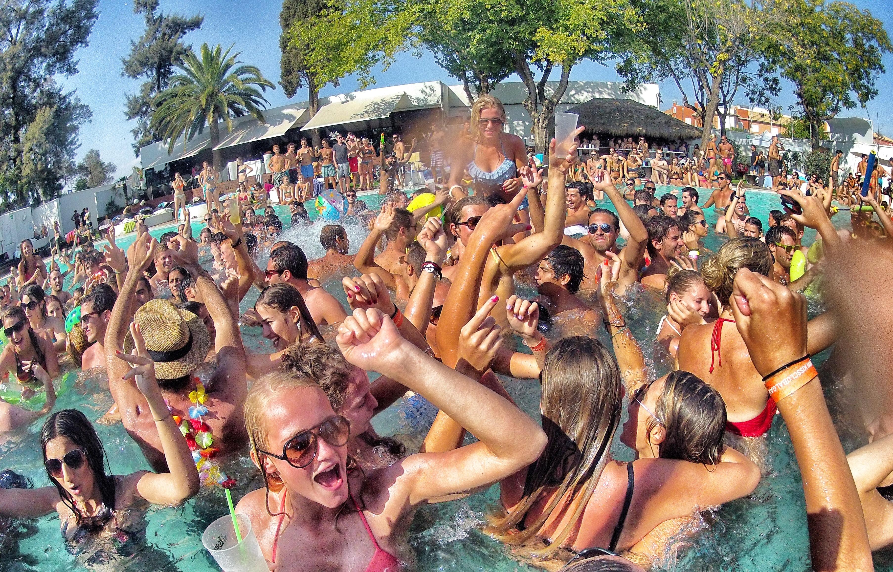 Свинг отели на кипре 11 фотография