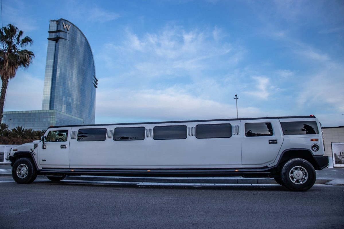 Limousine Party in Barcelona - limo-bcn.jpg