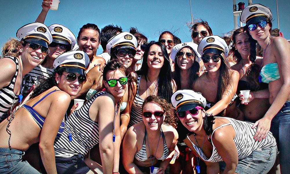 Festes amb Vaixell + DJ a Platja d'Aro - Girona - party-boat-2.jpg