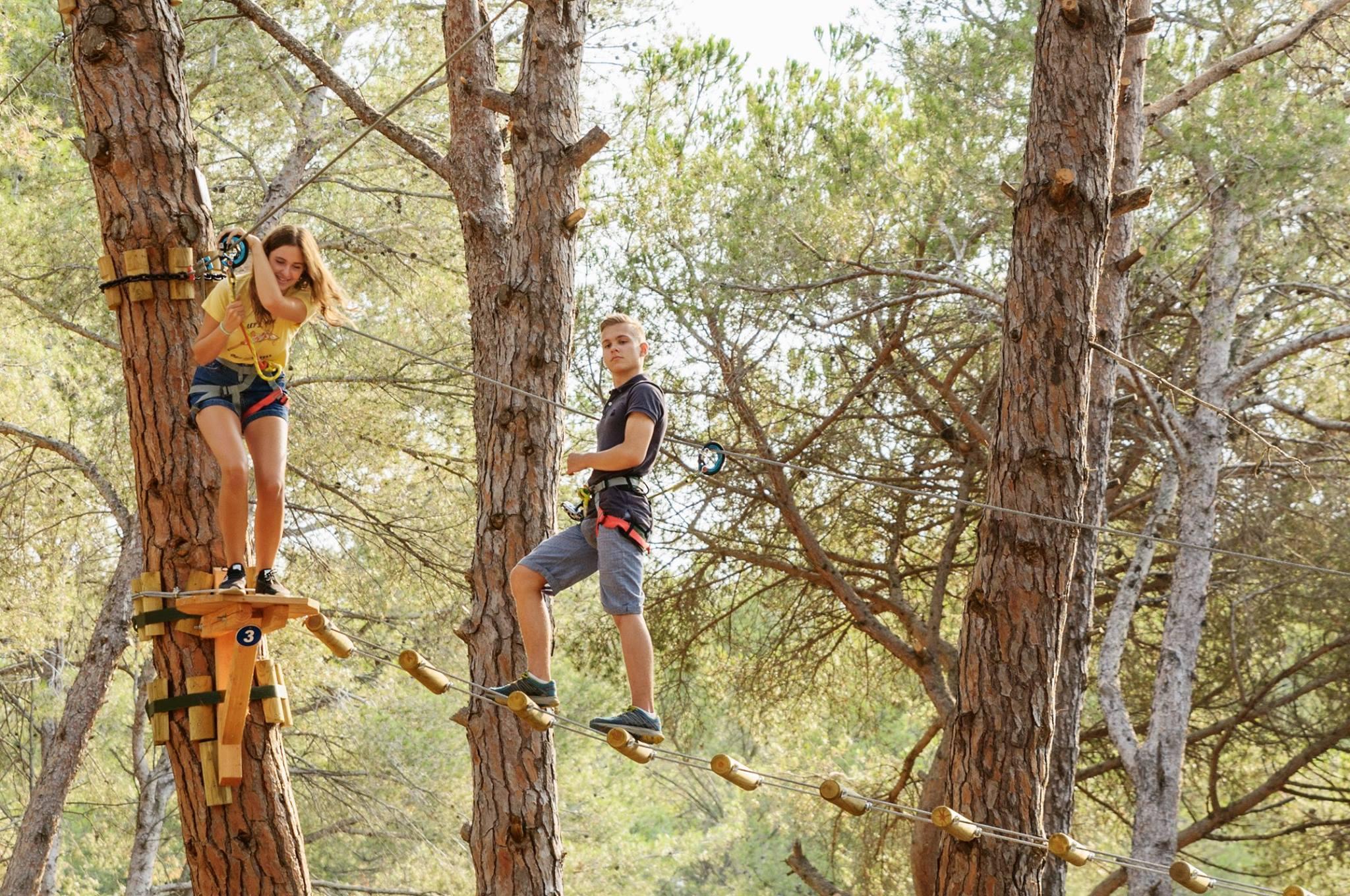 Parcours dans les arbres à lloret de mar - Gérone - troll-aventura.jpg